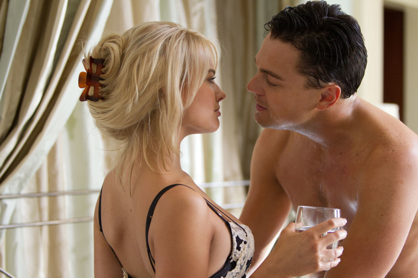 """W sobotę, 8 października, Polsat pokaże nieocenzurowaną wersję """"Wilka z Wall Street"""" Martina Scorsese. Stacja wyświetli kontrowersyjny film o godz. 23.15"""