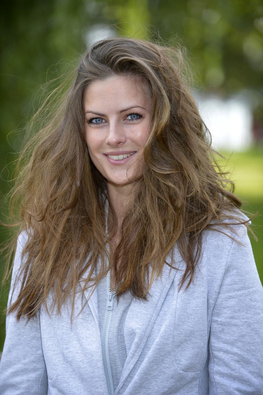 """Aktorka, artystka i mama. Jako złośliwa Malena w """"Singielce"""" wywołuje w widzach różne emocje. – Wolę być wiarygodna niż lubiana – mówi Laura Breszka."""