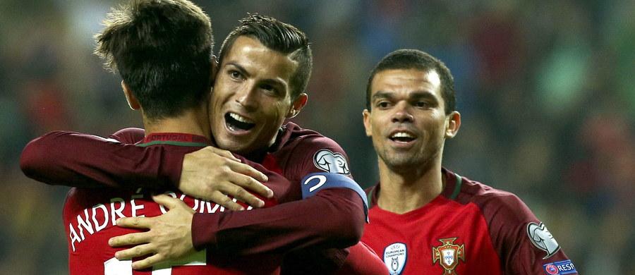 Profesor, huragan, nie do zatrzymania - w taki sposób portugalska prasa opisuje Cristiano Ronaldo, który zdobył cztery bramki w meczu eliminacji mistrzostw świata z Andorą (6:0). Sam piłkarz zaznaczył, że bardzo cieszy się z pierwszego takiego wyczynu w reprezentacji.