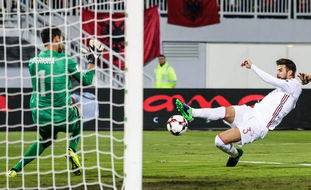 Kapitan drużyny narodowej Hiszpanii Gerard Pique ogłosił, że zakończy reprezentacyjną karierę po mistrzostwach świata w Rosji w 2018 roku. Jak wyjaśnił, powodem tej decyzji jest ciągła krytyka, której doświadcza w ostatnim czasie.
