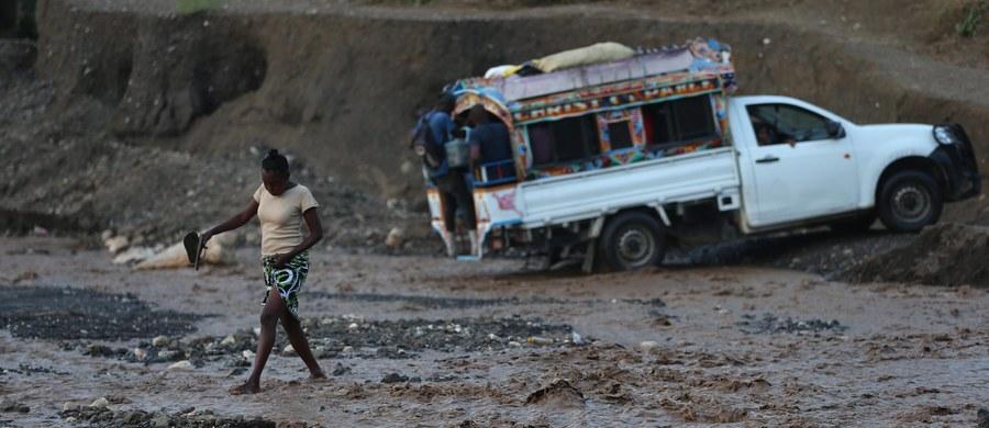 Do 1000 wzrosła liczba ofiar śmiertelnych huraganu Matthew, który nawiedził m.in. Haiti - podała agencja Reutersa. Informacja pochodzi ze zsumowanych danych uzyskanych od obrony cywilnej i władz lokalnych.