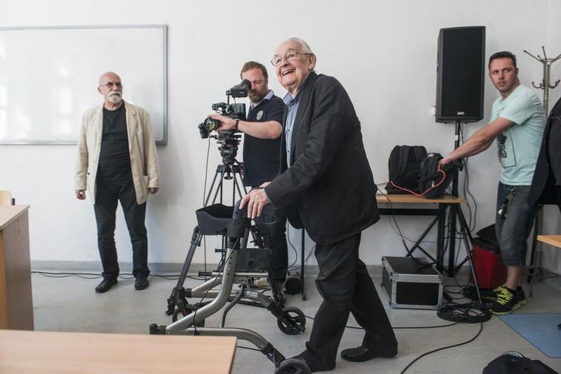 - To wielka strata dla Radomia - tak przedstawiciele radomskiej kultury skomentowali wiadomość o śmierci Andrzeja Wajdy. Reżyser, który mieszkał w dzieciństwie w tym mieście, przyczynił się do powstania w Radomiu nowej placówki, w której prezentowana jest sztuka współczesna.