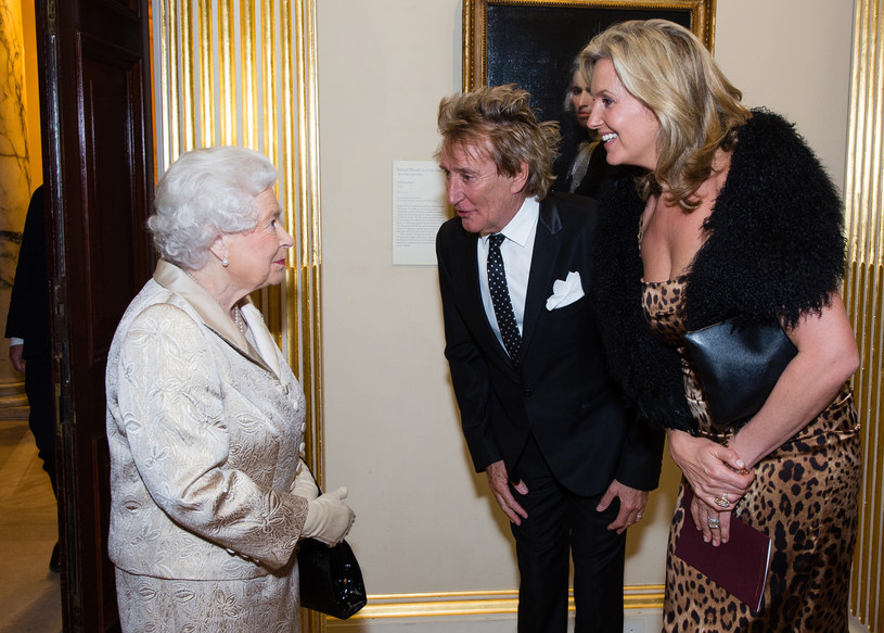 We wtorek (11 października) Rod Stewart odebrał z rąk księcia Williama tytuł szlachecki przyznany mu w czerwcu z okazji 90. urodzin królowej Elżbiety II - podało biuro prasowe pałacu Buckingham.