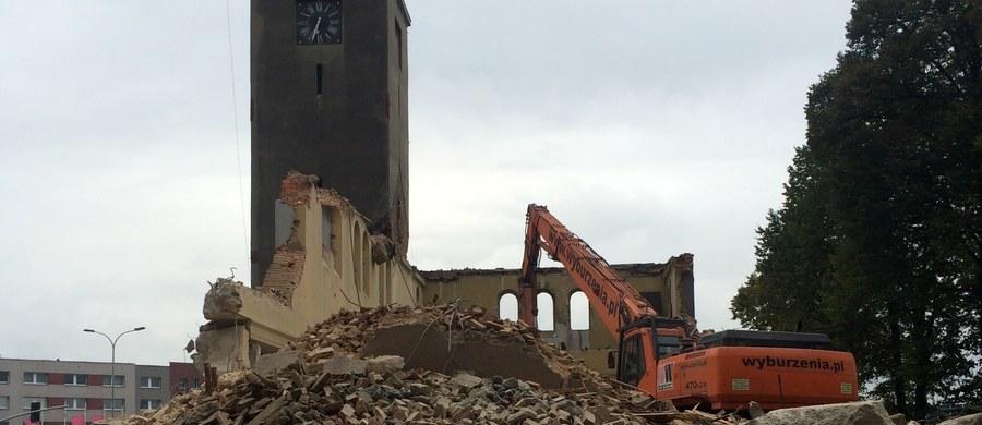Koniec prawie stuletniego kościoła św. Józefa Robotnika w Bytomiu. Świątyni nie zniszczył jednak upływający czas, a szkody górnicze. Rozpoczęła się rozbiórka kościoła.