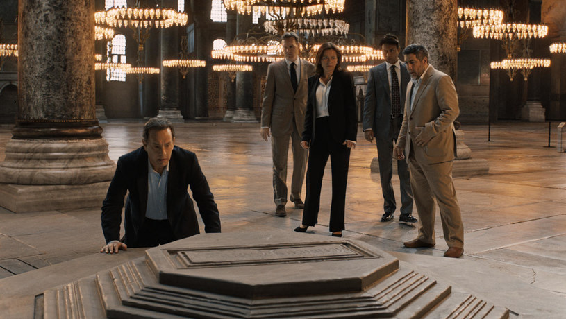 """Po gigantycznym sukcesie dwóch poprzednich części - """"Kodu da Vinci"""" (2006) oraz """"Aniołów i demonów"""" (2009), które na całym świecie zarobiły 1,2 miliarda dolarów, świat czeka z zapartym tchem na """"Inferno"""", trzecią część przygód profesora Roberta Langdona."""