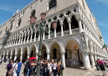 Wenecja: Dron spadł na plac św. Marka, tuż obok przechodniów