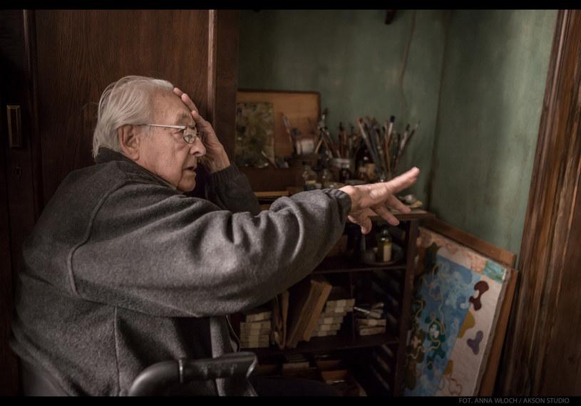 """""""Arcydzieło"""" - to najczęściej powtarzane przez widzów słowo po projekcji """"Powidoków"""" Andrzeja Wajdy na festiwalu filmowym w Rzymie w piątek. Pięć dni po śmierci reżysera, który był oczekiwany na tej projekcji, festiwal oddał mu hołd."""