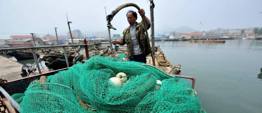 Północnokoreański rybak został zabity przez rosyjską straż przybrzeżną podczas kontroli na morzu - poinformowała Federalna Służba Bezpieczeństwa Rosji (FSB). Ośmiu innych rybaków zostało rannych. Na ich trawlerze Rosjanie odkryli nielegalny połów.