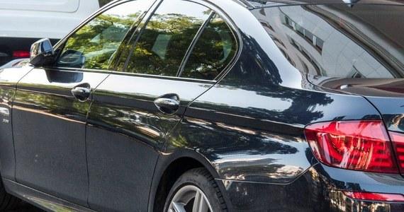 Ministerstwo Infrastruktury i Budownictwa pracuje nad poskromieniem niezdyscyplinowanych kierowców. Kluczem do sukcesu mają być nowe przepisy dotyczące diagnostyki samochodowej - informuje Dziennik Gazeta Prawna. Rząd planuje stworzenie specjalnych stacji kontroli pojazdów.