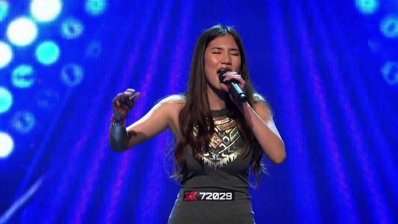 """15-letnia Natalie Ong na początku października zachwyciła jurorów """"X Factora"""" wykonując utwór Christiny Aguilery. W drugim etapie dziewczyna zaśpiewała """"I'd Rather Go Blind"""" Etty James i poszło jej równie dobrze."""