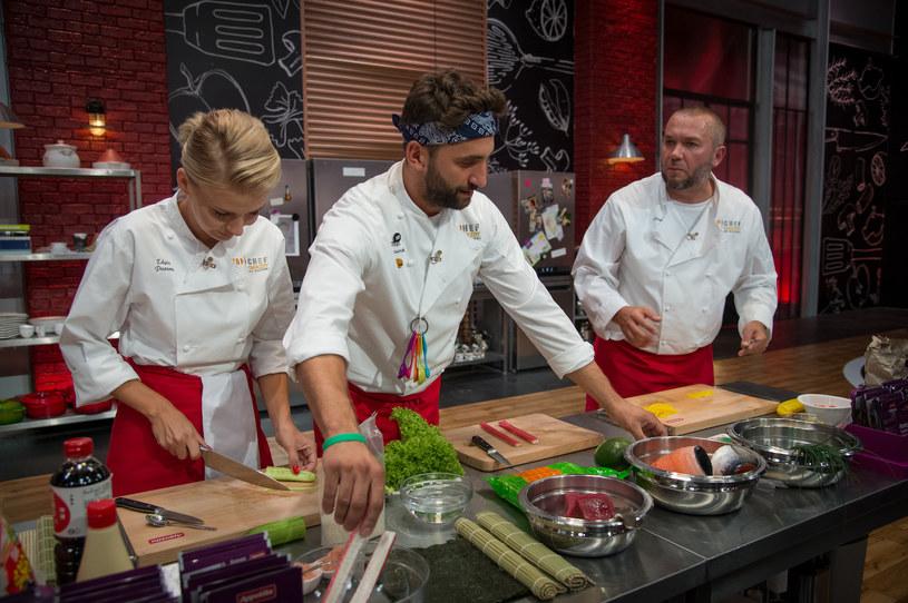 """W programie """"Top Chef. Gwiazdy od kuchni"""" emocje zaczynają sięgać zenitu. Między uczestnikami kulinarnego show dojdzie do kłótni."""