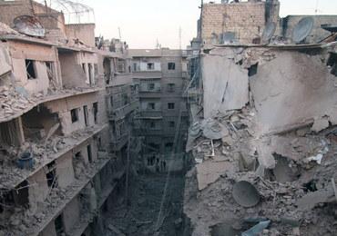 Aleppo: Walki i strzały w korytarzach humanitarnych. Miasto miało opuścić ćwierć miliona ludzi