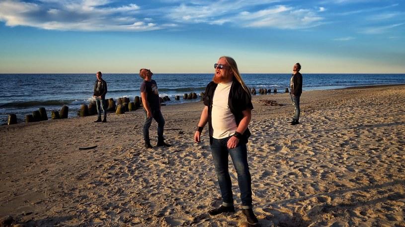 """Poniżej możecie zobaczyć teledysk """"W oceanie chmur"""" zapowiadający debiutancki album polskiej grupy Ditroit."""