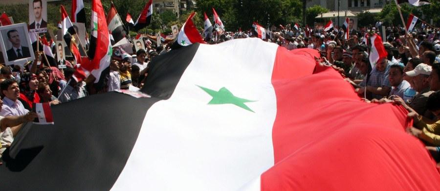 Syryjska armia zagroziła w czwartek, że zestrzeli każdy turecki samolot bojowy, który pojawi się w syryjskiej przestrzeni powietrznej. To odpowiedź na naloty prowadzone minionej nocy przez tureckie siły powietrzne na północy Syrii.