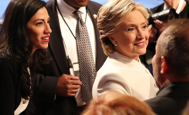 18 dni przed wyborami prezydenckimi w USA kandydatka Demokratów Hillary Clinton przekonywała w Cleveland, w Ohio, że jej rywal Donald Trump jest zagrożeniem dla demokracji. Najnowszy sondaż Reuters/Ipsos wskazuje, że jej przewaga nad Trumpem zmalała.