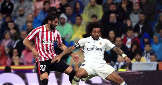 Piłkarze Realu Madryt pokonali u siebie Athletic Bilbao 2:1 w meczu 9. kolejki hiszpańskiej ekstraklasy i awansowali na pierwsze miejsce w tabeli. Dotychczasowy lider - Atletico Madryt - doznał pierwszej porażki w sezonie, 0:1 na wyjeździe z Sevillą.