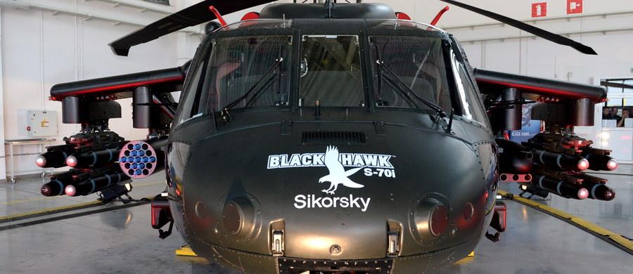 """""""Sikorsky część Lockheed Martin jest w trakcie wstępnych rozmów z polskim Ministerstwem Obrony, aby poznać wymagania dotyczące wojskowych śmigłowców. Oczekujemy z niecierpliwością na rozpoczęcie negocjacji, żeby zdobyć ten ważny kontrakt"""" - pisze do naszego amerykańskiego korespondenta Pawła Żuchowskiego Frans Jurgens z biura prasowego firmy Sikorsky. To pierwsze oficjalne - choć bardzo krótkie - oświadczenie tej firmy w sprawie ewentualnego zakupu śmigłowców Black Hawk dla polskiej armii."""
