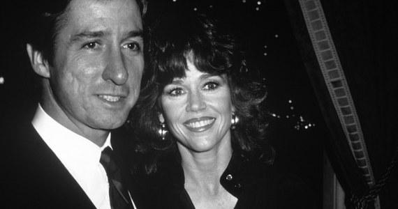 Po długiej chorobie zmarł Tom Hayden, wieloletni działacz społeczny, aktywista amerykańskiej lewicy i polityk, a prywatnie przez blisko 20 lat mąż aktorki Jane Fondy. Miał 76 lat.