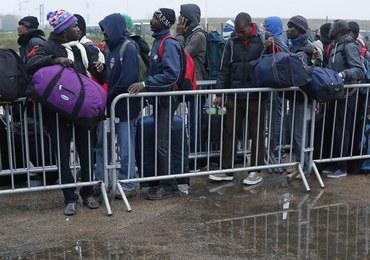"""Dzieci z obozowiska z Calais dotarły do Londynu. Trwa likwidacja """"nowej dżungli"""""""