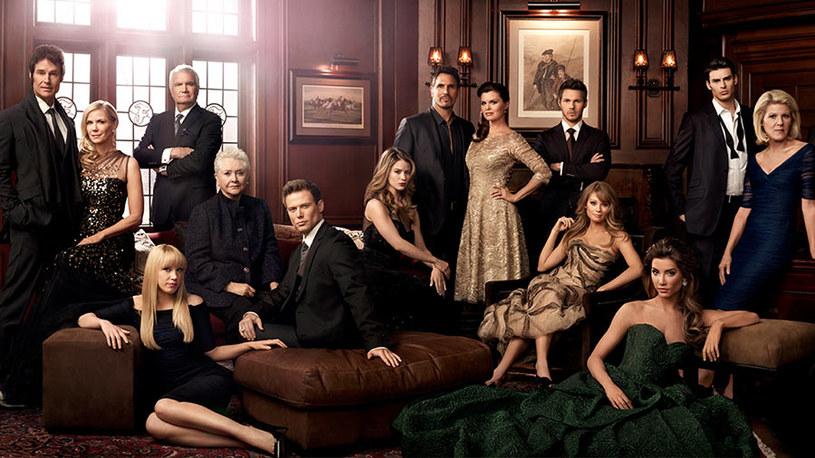 """9 listopada zadebiutuje ogólnodostępny, bezpłatny kanał telewizyjny NOWA TV. Wśród serialowej propozycji stacji znajdzie się premierowa produkcja własna """"Redakcja. Dział Śledczy""""; ponadto widzowie będą mogli obejrzeć dwie telewizyjne produkcje Luca Bessona: seriale """"No Limit"""" i """"Transporter"""" oraz hit """"Moda na sukces"""". Kultowa amerykańska telenowela emitowana będzie od poniedziałku do piątku o godz. 19.30."""