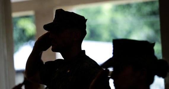Dowództwo stanowej Gwardii Narodowej w Kalifornii domaga się po latach, aby jej weterani zwrócili wysokie premie wypłacone im jako zachętę do dodatkowej służby na froncie w Iraku i Afganistanie. Jak się okazało, premie wypłacano im nieformalnie.