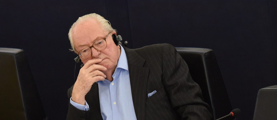 Na wniosek francuskiego wymiaru sprawiedliwości Parlament Europejski uchylił immunitet parlamentarny przysługujący nestorowi francuskiej skrajnej prawicy, Jean-Marie Le Penowi. Polityk jest ścigany za zachęcanie do nienawiści na tle rasowym.