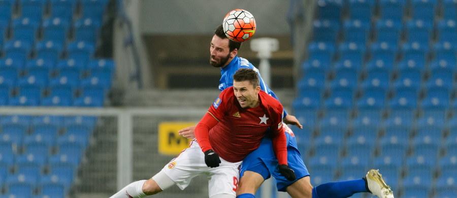 Po przeciętnym widowisku Lech Poznań zremisował na własnym boisku z Wisłą Kraków 1:1. Oba zespoły spotkały się ze sobą w Poznaniu zaledwie dziewięć dni temu. W meczu o ligowe punkty również padł remis 1:1.