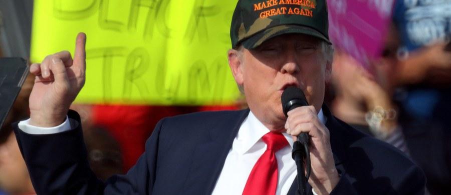 Donald Trump wciąż obarcza media za swoje niepowodzenia w kampanii wyborczej. Zarzuca dziennikarzom, że są do niego uprzedzeni. Obwinia też republikański establishment, który nie popiera go w walce o Biały Dom.