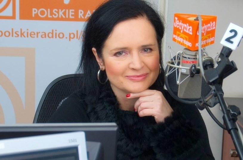 """Jolanta Fajkowska została szefową programu radiowej Jedynki """"Cztery pory roku"""".  Była gwiazda TVP pełnić będzie również w Programie I Polskiego Radia funkcję zastępcy kierownika redakcji rozrywki - poinformował portal Press.pl."""