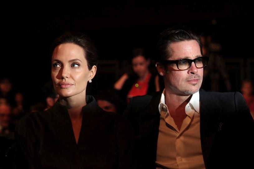 Angelina Jolie została przesłuchana w ramach dochodzenia, jakie FBI prowadzi w sprawie Brada Pitta, oskarżanego przez aktorkę o przemoc domową.