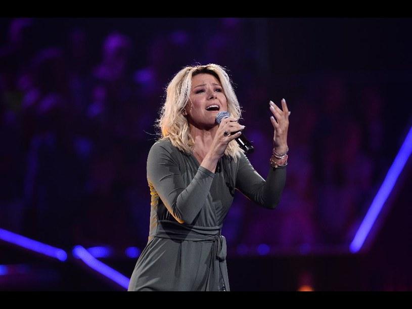 """Występ Anny Karwan w trzecim etapie """"The Voice of Poland"""" zachwycił trenerów. Zobacz, jak reagowali w trakcie wykonania utworu."""
