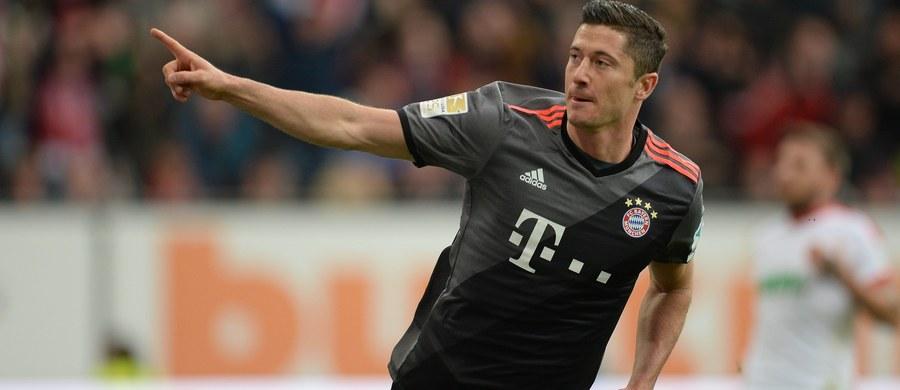 """Robert Lewandowski trafił do najlepszej jedenastki 9. kolejki niemieckiej ekstraklasy magazynu """"Kicker"""". Polak zdobył dwa gole dla Bayernu Monachium w sobotnim meczu z FC Augsburg (3:1). To jego drugie takie wyróżnienie w tym sezonie."""