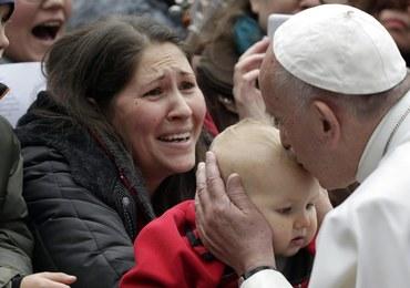 Papież w Szwecji dziękuje za pomoc dla uchodźców