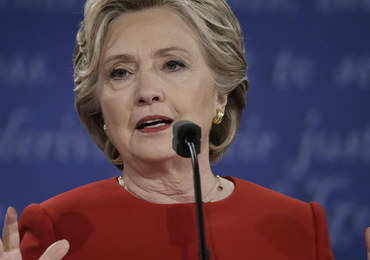 Sztab Hillary Clinton krytykuje FBI. Chodzi o ujawnienie przez śledczych dokumentów sprzed 15 lat