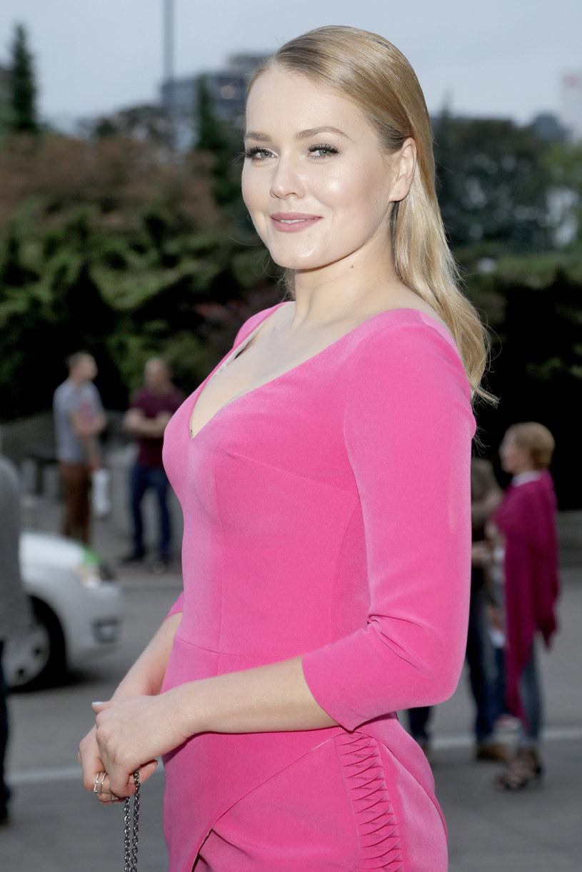 """Magdalena Lamparska zagra tytułową rolę w nowym serialu """"Niania w wielkim mieście"""". Produkcja pojawi się na antenie Polsatu wiosną 2017 roku."""