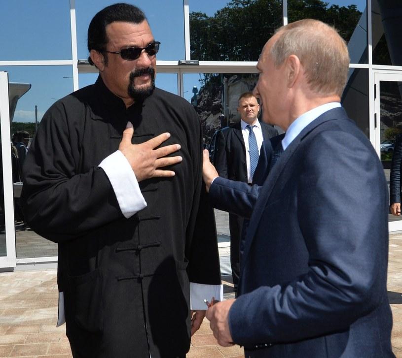 Amerykański aktor kina akcji i reżyser Steven Seagal otrzymał obywatelstwo Rosji. Odpowiedni dekret w tej sprawie podpisał prezydent Władimir Putin - poinformowano w czwartek, 3 listopada, na stronie Kremla.