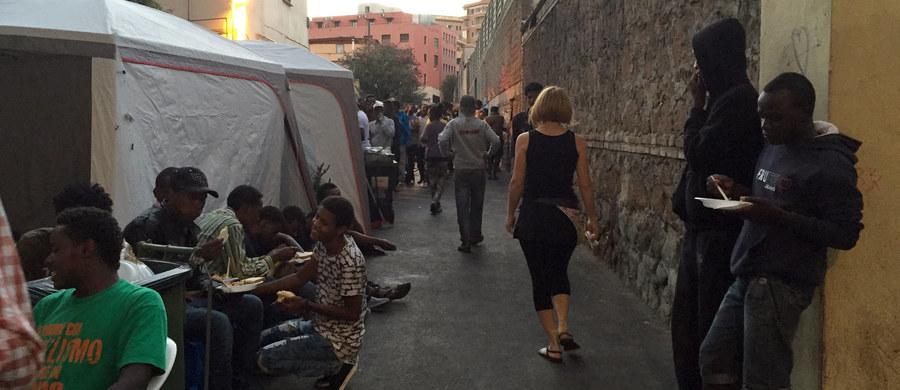 Włoska policja kategorycznie odrzuciła oskarżenia ze strony Amnesty International, według której włoscy funkcjonariusze dopuszczali się łamania praw człowieka i w pojedynczych przypadkach stosowali tortury wobec imigrantów z Afryki.
