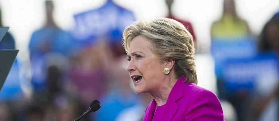 Najnowszy sondaż Ipsos/Reuters potwierdził utrzymującą się na poziomie 5 proc. przewagę Hillary Clinton nad Donaldem Trumpem. Natomiast sondaże telewizji Fox News oraz pracowni McClatchy-Marist wskazują, że różnica w poparciu dla kandydatów na prezydenta USA wynosi zaledwie 2 proc.