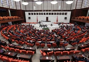 Prokurdyjska partia bojkotuje prace tureckiego parlamentu. To odpowiedź na aresztowania
