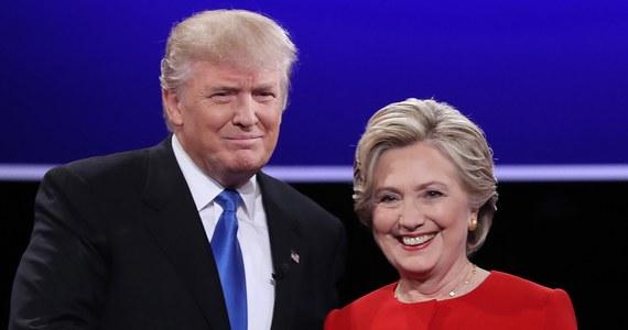 Bez względu na to, czy wybory prezydenckie w USA wygra Hillary Clinton czy Donald Trump, stosunki rosyjsko-amerykańskie zasadniczo się nie zmienią - oceniają we wtorkowej prasie rosyjscy politolodzy. Zdaniem niektórych, Kreml szykuje się na wygraną Clinton. Są również głosy, że demokratka przyjęłaby w stosunku do Moskwy znacznie twardszą postawę niż Barack Obama czy Donald Trump.
