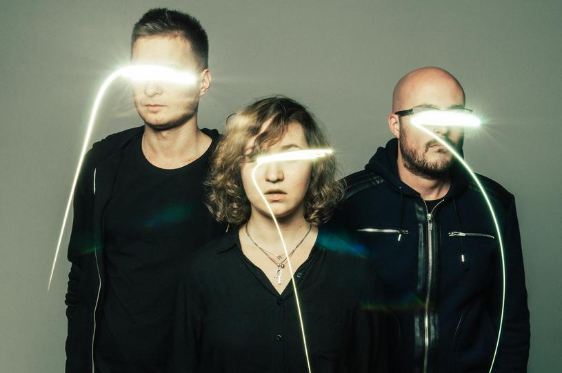 Polsko-angielskie trio Mountain Lakes szykuje się do pierwszych występów na żywo. Wkrótce rozpoczną się też prace nad debiutanckim albumem.