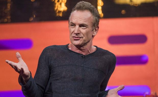 """Kultowy piosenkarz Sting wydał kolejną płytę """"57th & 9th"""". Krytycy mówią, że to powrót do korzeni. """"Sting nigdy tego domu nie opuścił, choć jednoczenie cały czas podróżował"""" - komentuje to piosenkarz w rozmowie z naszym korespondentem, Bogdanem Frymorgenem. Muzyk opowiada RMF FM nie tylko o swojej karierze muzycznej, ale także o Brexicie i o tym, dlaczego nie obróciłby się, gdyby ktoś zawołał za nim po imieniu. Piosenkarz opowiedział także o swoich korzeniach. """"Ja mam z Polską związek bardzo osobisty, bo mój wujek, Stanisław, pochodził z Warszawy. Bardzo go lubiłem i czułem się spokrewniony z Polakami. Zawsze gdy odwiedzam wasz kraj, to czuję się mile widziany"""" - powiedział Sting."""