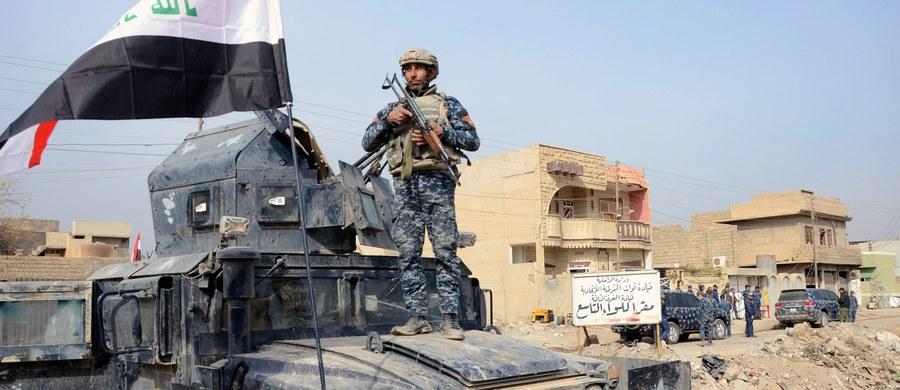"""Irakijczycy po zaciętych walkach ulicznych z bojownikami Państwa Islamskiego wyzwolili do końca kolejną dzielnicę wschodniego Mosulu, Al-Zahraa - poinformowało dowództwo sił antyterrorystycznych. W """"najbliższych godzinach"""" nastąpi szturm na dzielnicę Al-Tahrir."""