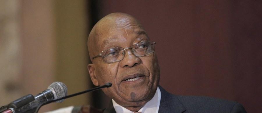 Parlament RPA odrzucił wotum nieufności wobec prezydenta Jacoba Zumy. W ubiegłym tygodniu opublikowany został raport z dochodzenia antykorupcyjnego, zalecający utworzenie komisji śledczej do zbadania zarzutów wobec Zumy.