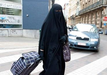 Muzułmanka nie chciała zdjąć chusty do zdjęcia. Pójdzie na cztery miesiące do więzienia