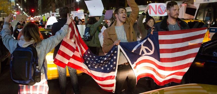 W Rosji coraz większe oczekiwania wobec Donalda Trumpa, mimo że ten w swoim pierwszym wywiadzie dla telewizji CBS o Rosji nie powiedział ani jednego słowa. Izwiestia donoszą, że nowy prezydent może przekazać skazanych w USA Rosjan.