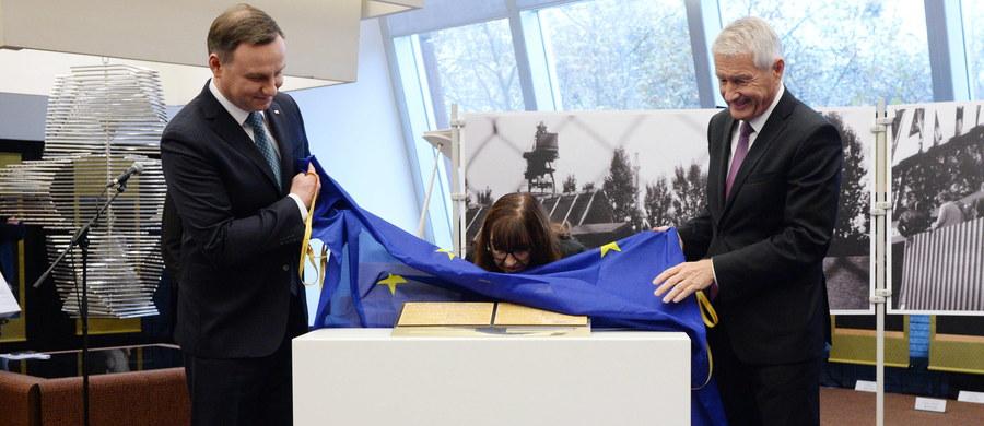 Nawet jeżeli Rada Europy i polskie władze nie zawsze się we wszystkim zgadzają, kraj ten pozostaje nieodłącznym członkiem europejskiej rodziny. Tak można  streścić pojednawcze wypowiedzi szefa Rady Europy Thorbjorna Jaglanda po spotkaniu z prezydentem Andrzejem Dudą w Strasburgu.