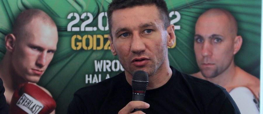 Mariusz Cendrowski uległ poważnemu wypadkowi samochodowemu – taka informacja pojawiła się na oficjalnym profilu boksera na jednym z portali społecznościowych. Były olimpijczyk z Sydney i wielokrotny mistrz Polski przebywa w szpitalu.