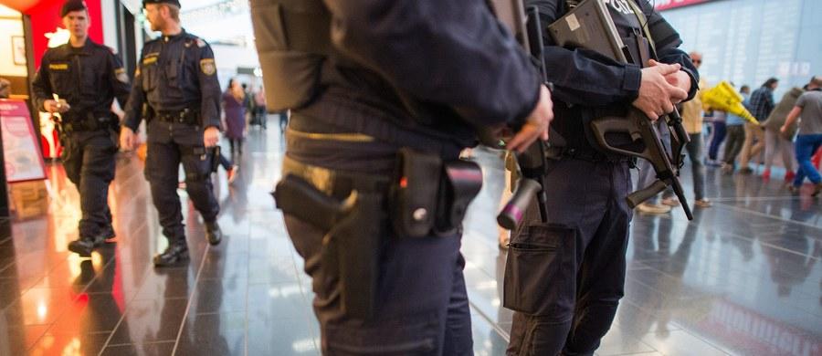 Polska ambasada jest w kontakcie z matką 15-letniej dziewczyny pobitej kilka dni temu w Wiedniu przez gang młodocianych. Dochodzenie w sprawie napaści prowadzi policja. Nastolatka jest w szpitalu.