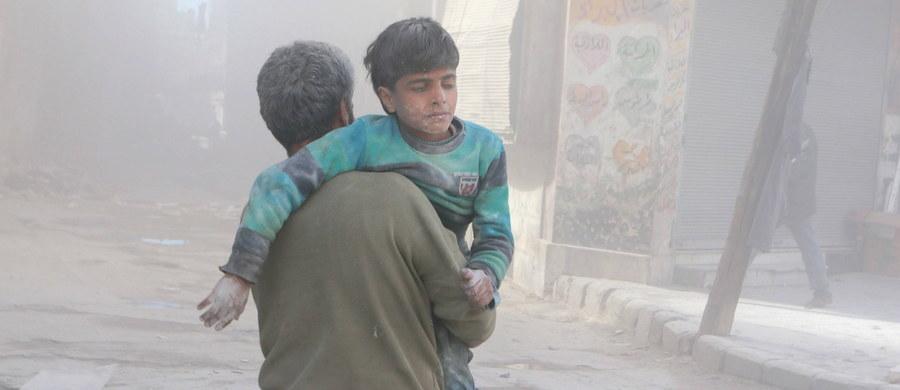 Syryjski rząd wysłał mieszkańcom wschodniego Aleppo SMS-a, w którym prosi ich o opuszczenie ogarniętego konfliktem terenu. W wiadomości ostrzegają ich, że w innym wypadku ryzykują swoje życie.